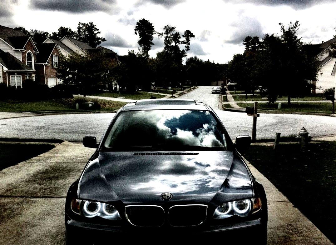02 BMW 330i